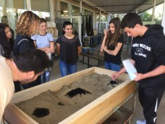 Students sandcast at the Upper School. Credit: Printed with permission of Lexi Block '17